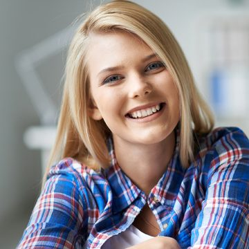 Cosmetic Dentistry: Get A Lovely Smile With Teeth Whitening